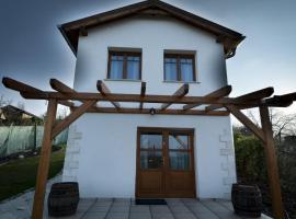 Bike & Wine Cottage, Etyek