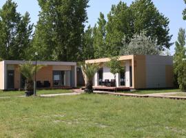 Enigma Resort, Mamaia