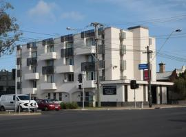 Parkville Place Apartments, Brunswick