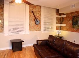 French Quarter Luxury Two-Bedroom Suite 201, New Orleans