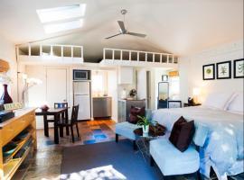 Secluded Windansea Beach Rental Cottage #615, La Jolla