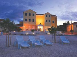 Hotel Spongiola, Brodarica