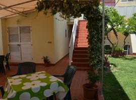 Apartments Gareta, Gradac