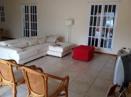 House Baia das Gatas, Salamansa