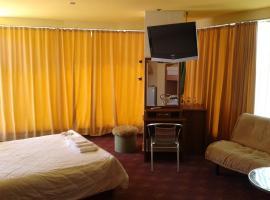 Hotel Elit, Kiten