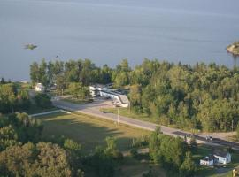 Edgewater Motel and Campground
