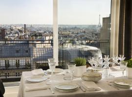 Vue sur les toits de Paris - Chat noir design Hotel, Pariz
