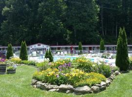 A Holiday Motel - Maggie Valley, Maggie Valley