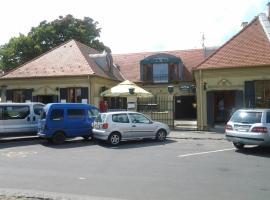 Corner Panzió, Szentendre