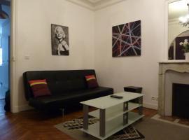 Apartment Rue Saint Antoine