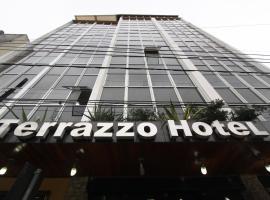 Terrazzo Hotel, Campos