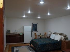Van Nuys Economy Studio Apartment - #A, Van Nuys