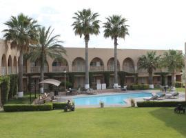 Hotel Santa Fe, Camargo