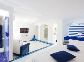 The White&Blue Suites, Capri