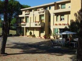 Hotel Primavera, 바르베리노 디 발 델사