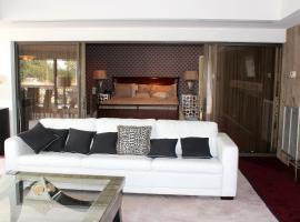 Lakeview Marina Three-Bedroom Luxury Condo