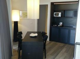 Marina Suite, Herzelia