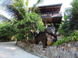 Pap's Place, Praia de Salad