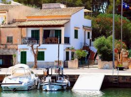 The Harbour House, Portopetro