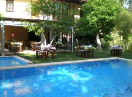 Defne Hotel, Camlıkoy