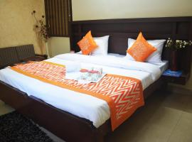 OYO Rooms Noida Sector 12 Metro Hospital, Indirapuram