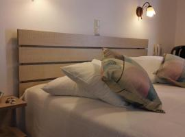 Christina Hotel, Nausa