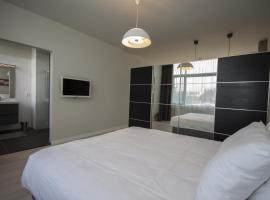 Savina City Centre Apartment Near Beach, Station and Shops, Zandvoort