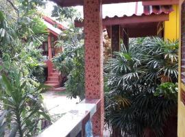 Near House Baantai, Baan Tai
