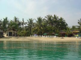 Moonhut Bungalows, Mae Nam Beach