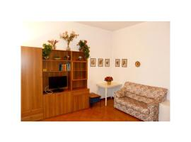 瑪麗莎公寓, 阿倫扎諾