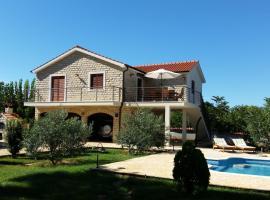 Villa Piscina, Gornje Selo