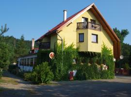 Hotel Kormoran, Zlenice
