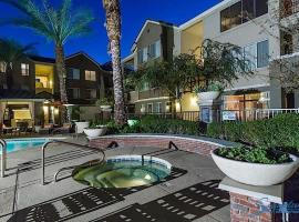 Wonderland, Apartment at Phoenix, Phoenix