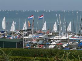 B&B logeren aan het IJsselmeer, Muiderberg