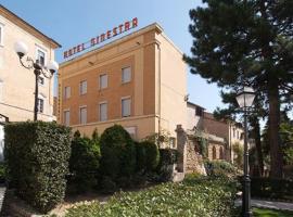 Hotel La Ginestra, 레카나티