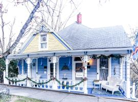Chantilly Lace Inn, Eureka Springs