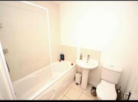 Executive 4 Bed Holiday Home, Stockport