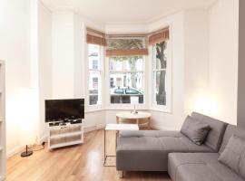 Ashmore Road Halldis Apartment, Dagenham