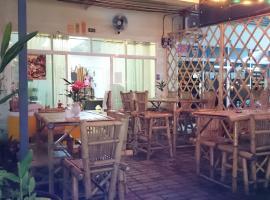 Parisia Guesthouse, Khao Lak