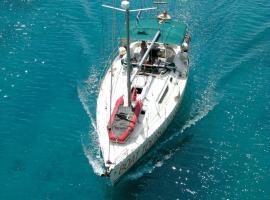 Sailboat Thetis