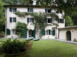 Five-Bedroom Holiday home in Camaiore, Camaiore