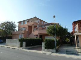Apartments Branimir, Murter