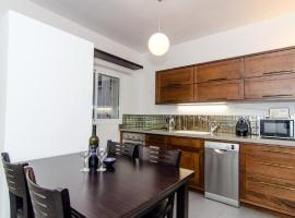 Modiin St – 2 Bedroom Apartment – Old North Tel Aviv, Tel-Aviv