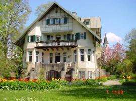 Haus Seefried, Buch