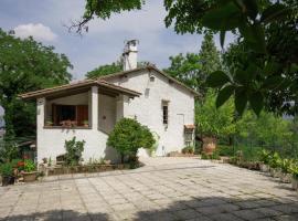 Holiday home Villa Perticara, テルニ