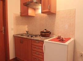Apartments Pinus, Vrboska