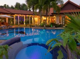 Relaxing Palm Pool Villa and Tropical Garden, Ban Pong