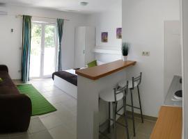 Apartment Luna, Drvenik