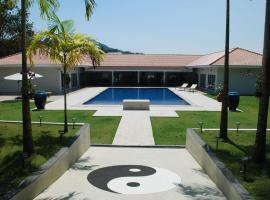 Villa Tha Maphrao, Ban Mut Dok Khao