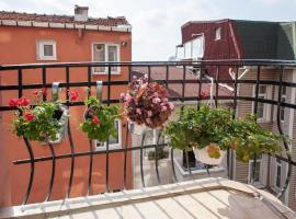 Deniz Apartments, Isztambul